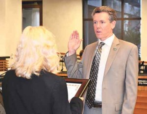 Dan Singer, City Manager for City of Poway takes oath